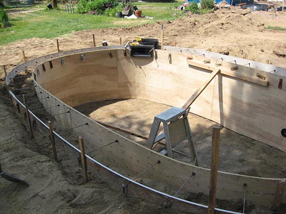 Concrete collar for Concrete pond construction