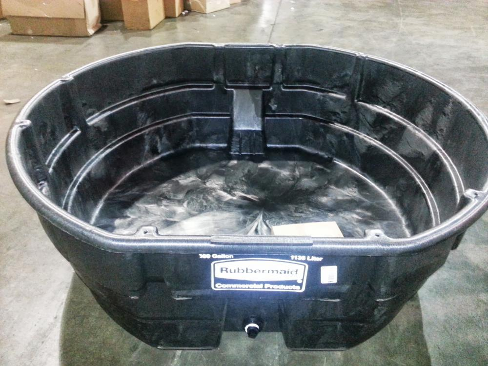 Great Deal On 300 Gallon Rubbermaid Stock Tank Page 2
