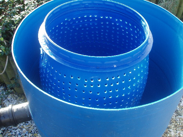Diy fluid bed filter koi diy do it your self for Diy biological filter