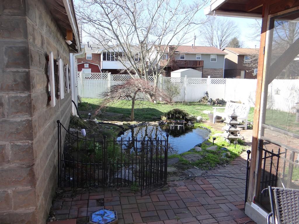 Name:  Pond-site-r 06.jpg Views: 1170 Size:  337.7 KB